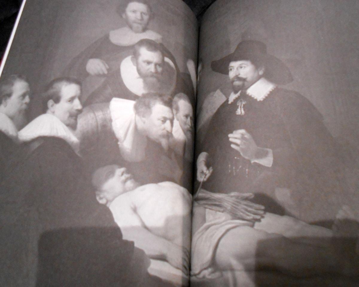 Book tráiler adelanto de DIARIO DE UN RESURRECCIONISTA. HISTORIA SECRETA E ILUSTRADA DE LOS LADRONES DE CUERPOS Y LOS ANATOMISTAS